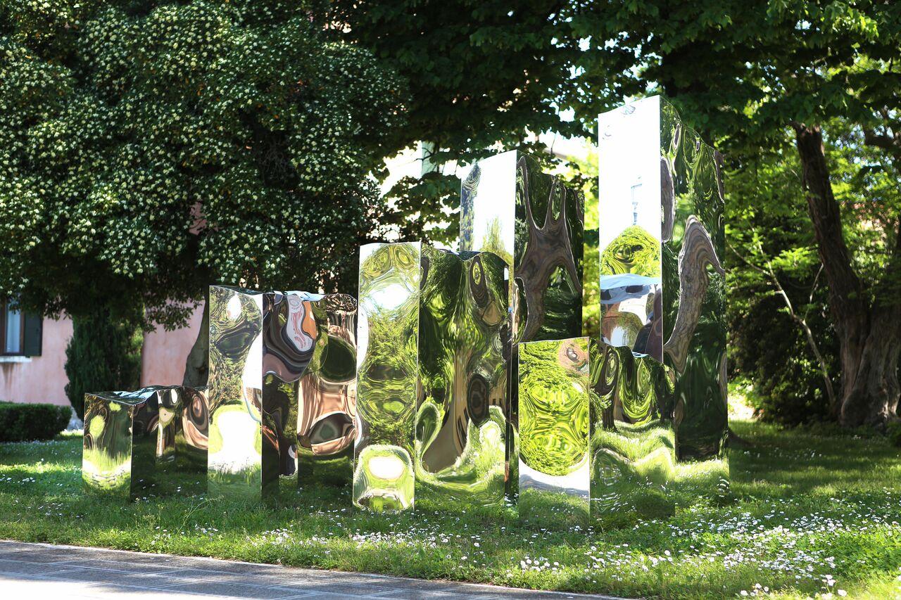 "Helidon Xhixha, ""Pillars of Light"", Mirror Polished Stainless Steel, La Biennale di Venezia 2015"